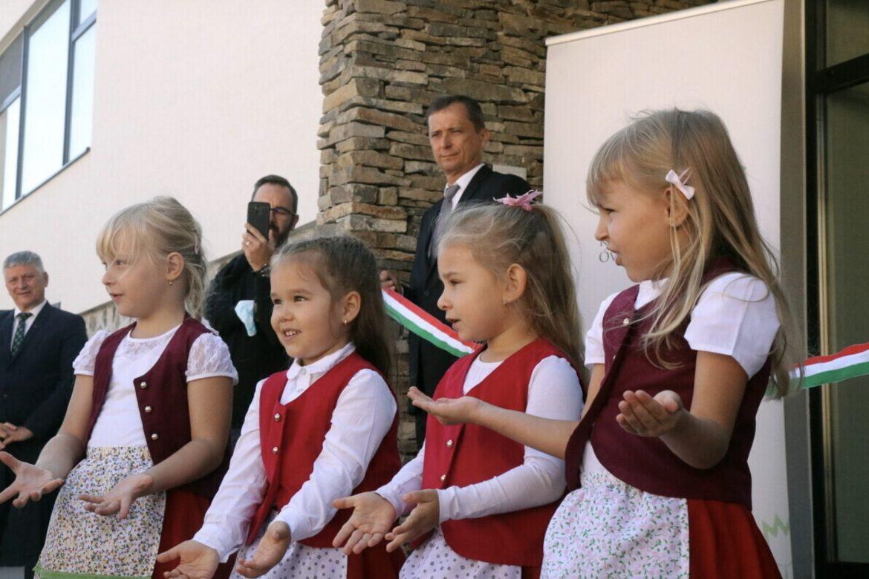 部長:歐盟不能規定匈牙利人應該如何教育他們的孩子